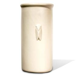 Brique à vin Les Cigales en Relief Blanc, Faïences provençales