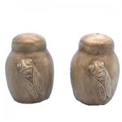 Salière et poivrière Les Cigales en relief taupe