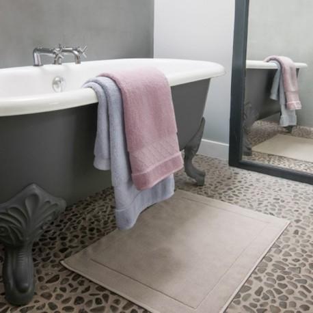 tapis de bain tapis de douche qualit luxe. Black Bedroom Furniture Sets. Home Design Ideas
