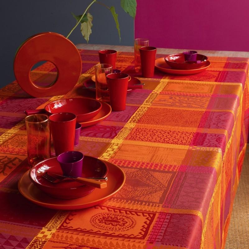 tissu enduit nappe carreaux rouge tissu nappe haut de. Black Bedroom Furniture Sets. Home Design Ideas